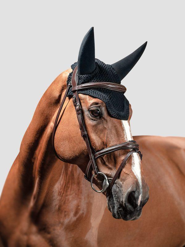 bonnet anti bruit pour cheval couleur noir modèle dave de equiline