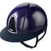 Casque d'équitation de marque Kep modèle Cromo Shine visière polo couleur bleu vue de profil